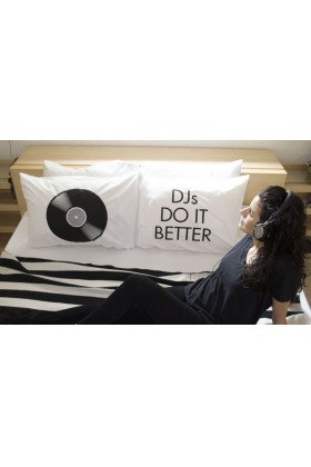 Pillow Talk - Djs Do It Better Yastık Kılıfı