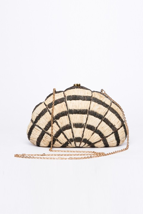 Larone by Bengartisans Seashell Pearl clutch
